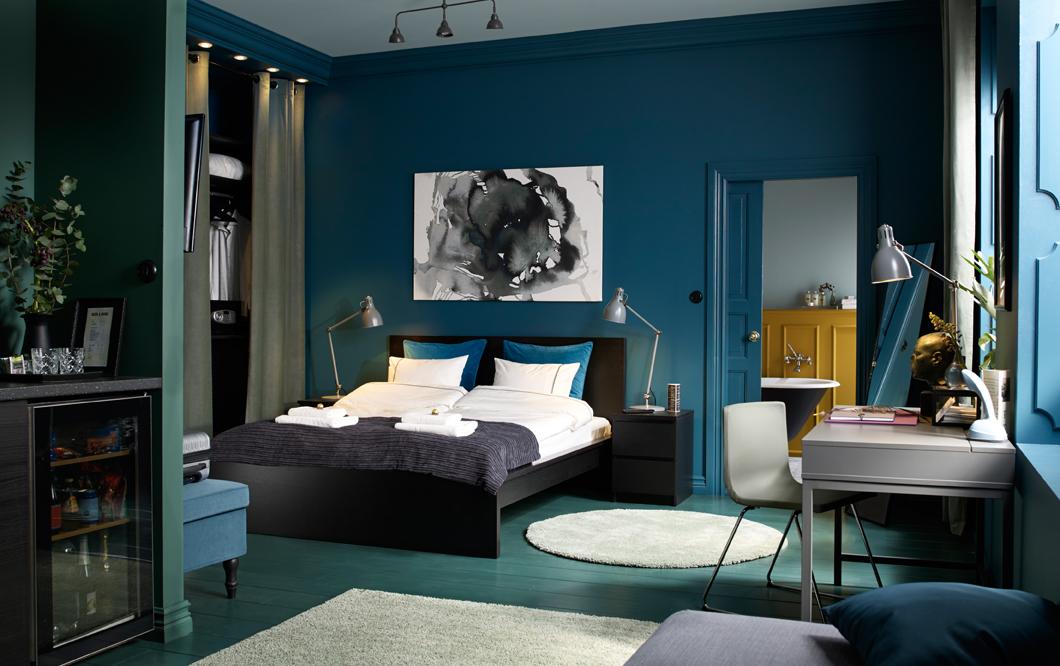 Спальня цвета морской волны