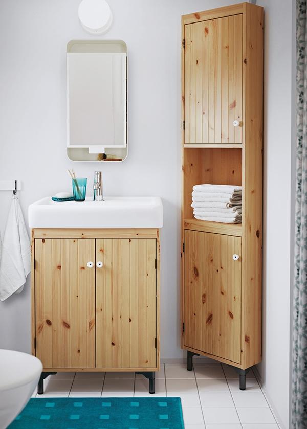 Натуральная сосна в интерьере ванной