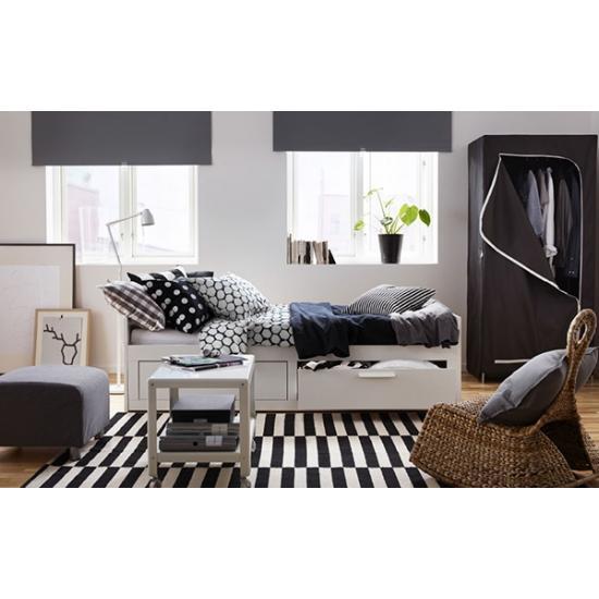 Раскладной диван днем, удобная кровать ночью