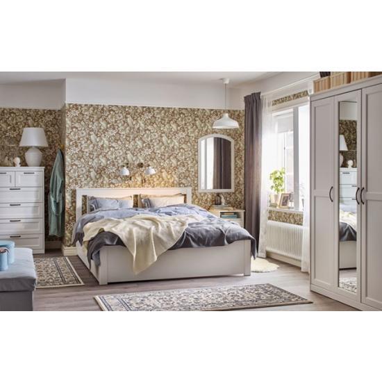 Спальня в классическом варианте в доме