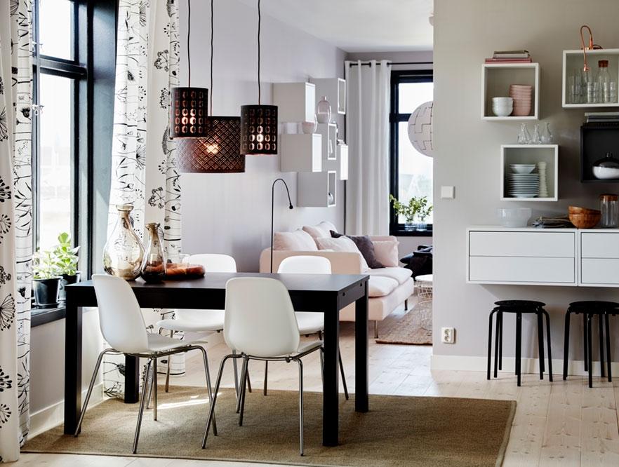 Обеденный стол для семьи и друзей